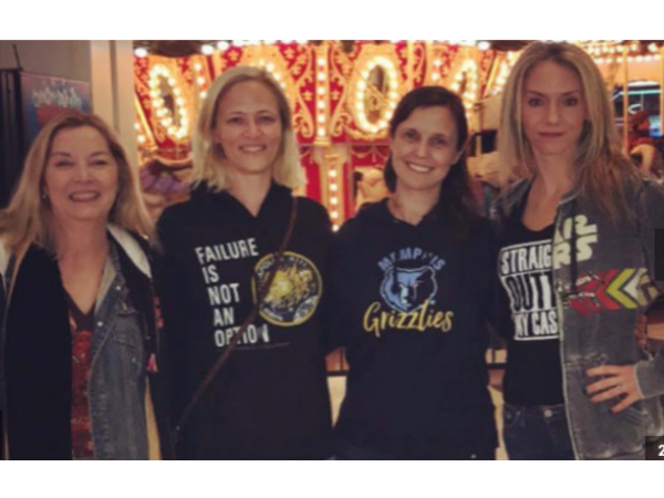 4 White Women wear banned hoodies at Tennessee Mall to prove racial profiling