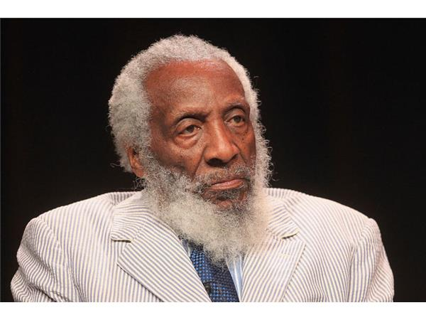 Dick Gregory dies at 84, Confederate Monument protests spread, Colin Kaepernick