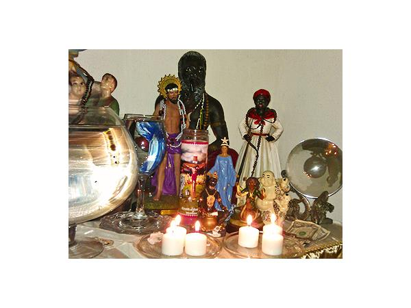 Lucky Mojo Hoodoo Rootwork Hour: Ancestor Offerings with
