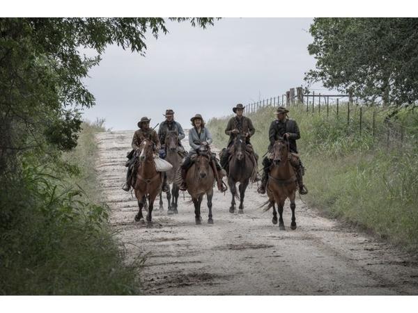 Fear The Walking Dead Online Viewing Party S5e15 Channel 5