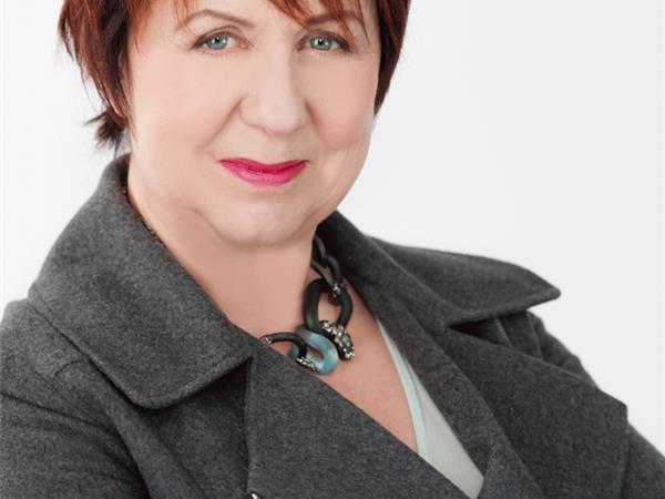 Literary Diva Presents: Author, Deputy Director Kennedy Quinn!