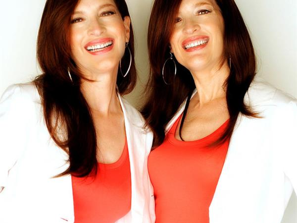 Double Visionaries: The Psychic Twins - Terry & Linda