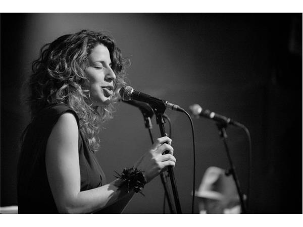 Big Blend Radio: Jazz Singer Noa Levy