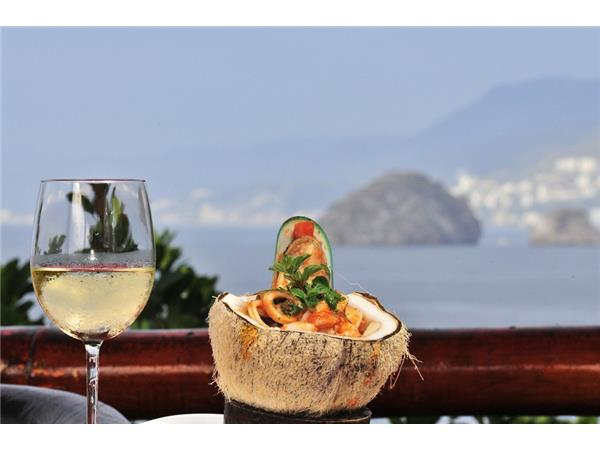Big Blend Radio: 100 Year Celebrations & Festival Gourmet in Puerto Vallarta