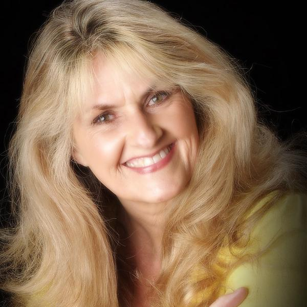 Dr Carol Francis