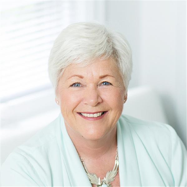 Christine Day Online
