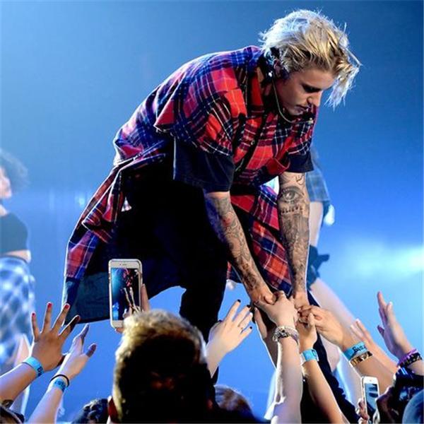 Justin Bieber Fever Radio
